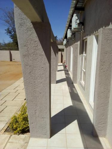 Travellers Court, Palapye