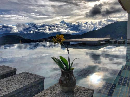 Deqin Fragmentation Wuxiang Meili Snow Mountain Yeshe Holiday Mansion, Dêqên Tibetan