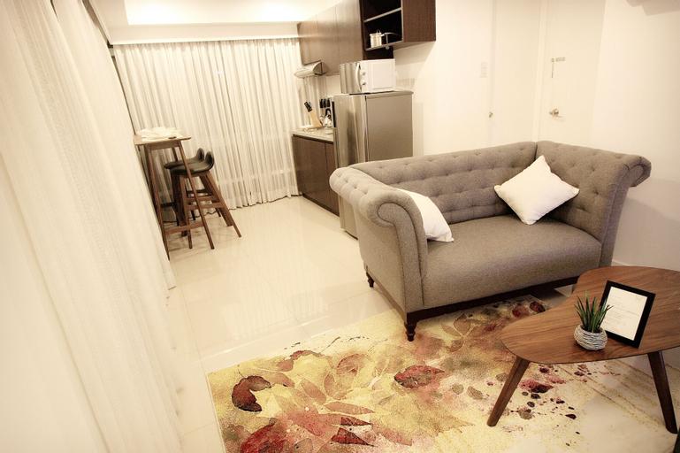 MaxStays - Max Style @ Fort Victoria, Makati City