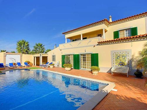 Montes Borralhos Villa Sleeps 10 Pool Air Con, Lagoa