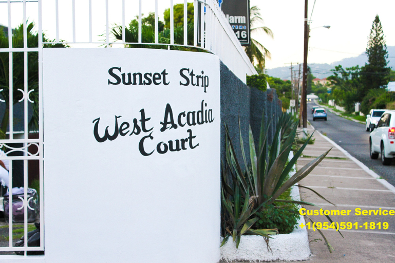 Sunset Strip Acadia Guest Apartment,