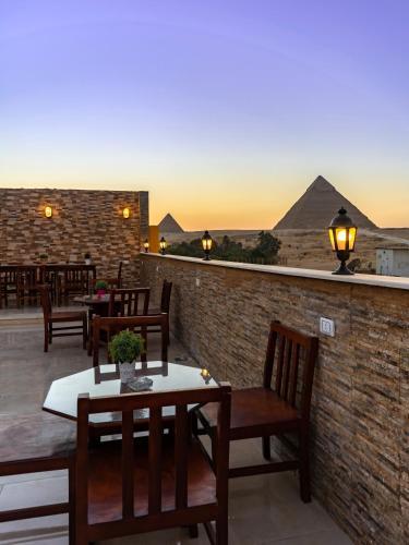 Pyramids Village Inn, Unorganized in Al Jizah