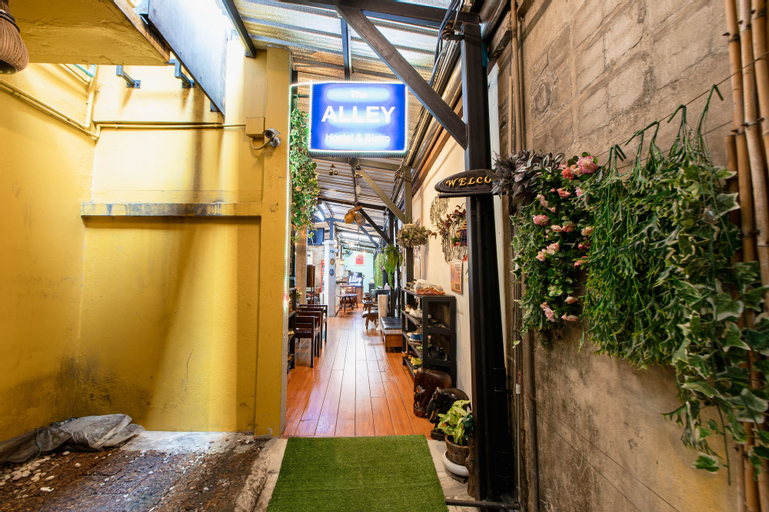 The Alley Hostel & Bistro, Phra Nakhon