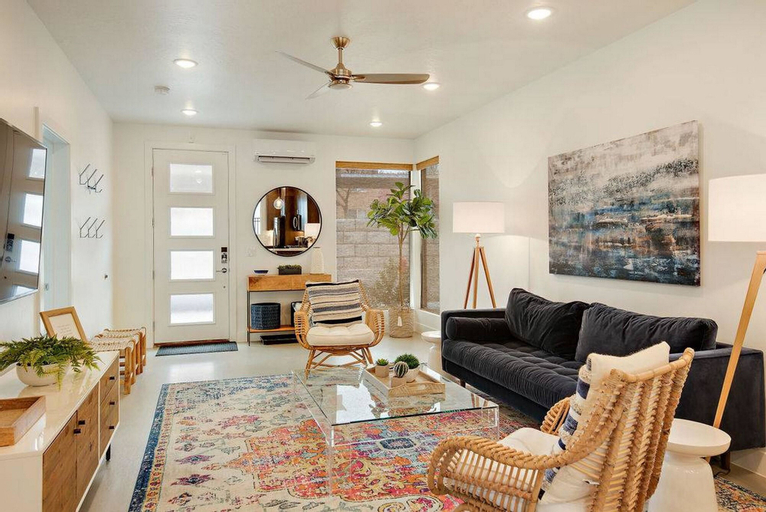 Luxury Lofts #6, Washington