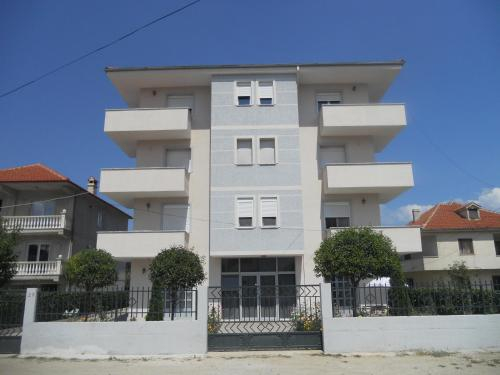 Villa Braho 1, Pogradecit