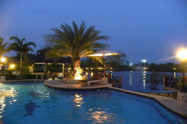 Bangchong Marina Resort, Tha Yang