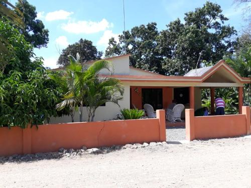 Tropical Farmhouse stay next to cocoa plantation, Fantino