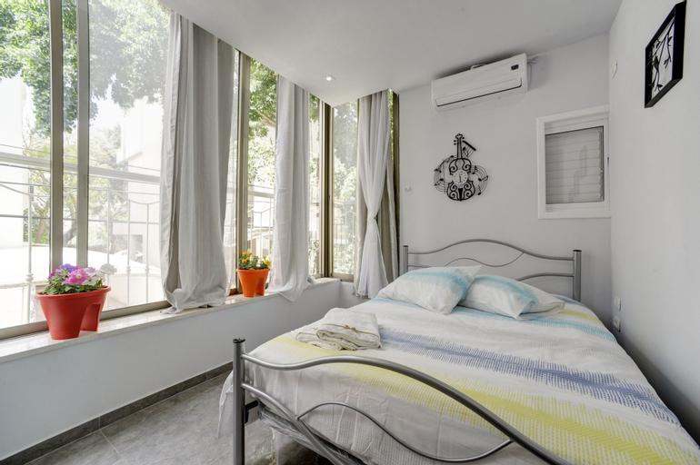 3 Bedrooms - Ben Yehuda,