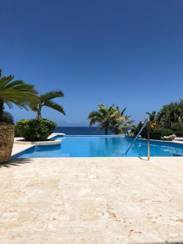 Spectacular Beachfront Villa, Cabrera