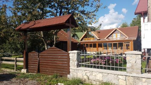 Lumber Apartments Kolasin,