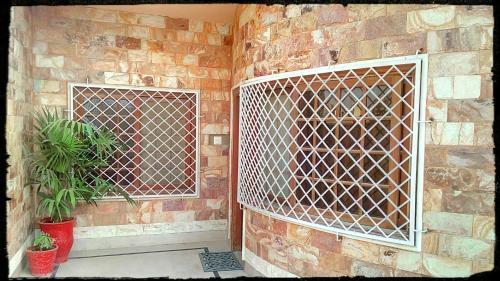Red Stone House, Karachi