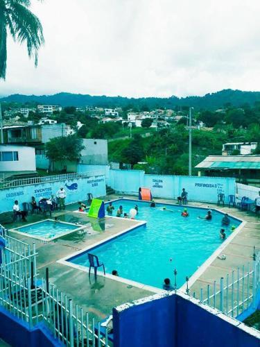 Hotel Piscina la Baranda, Alvarado