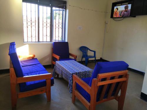 Nahumi House, Aringa