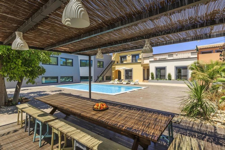 Property With 10 Bedrooms in Quelfes, With Wonderful sea View, Private, Olhão