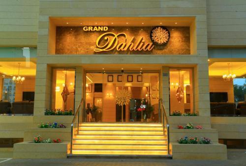 Grand Dahlia Hotel Apt,