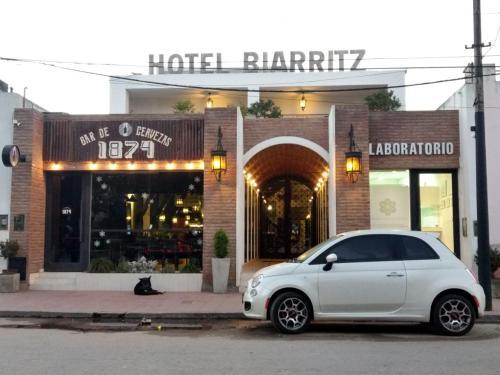 Hotel Biarritz, Choya