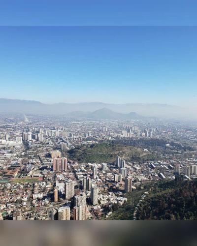 Inaya, Santiago