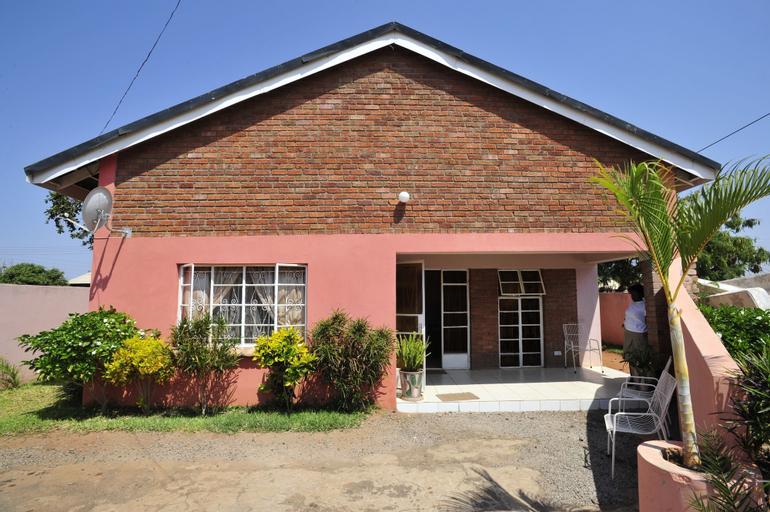 Premier Guest Lodge, Hwange