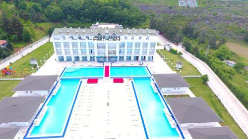 White Palace Hotel & spa, Merkez