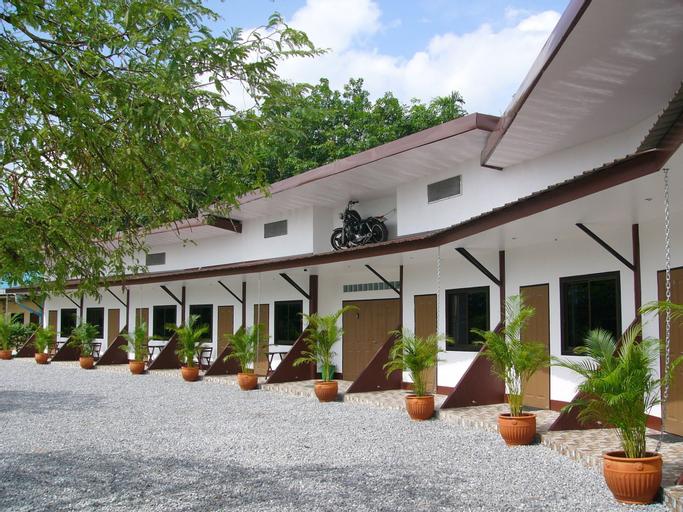 Kevin Resort, Klaeng
