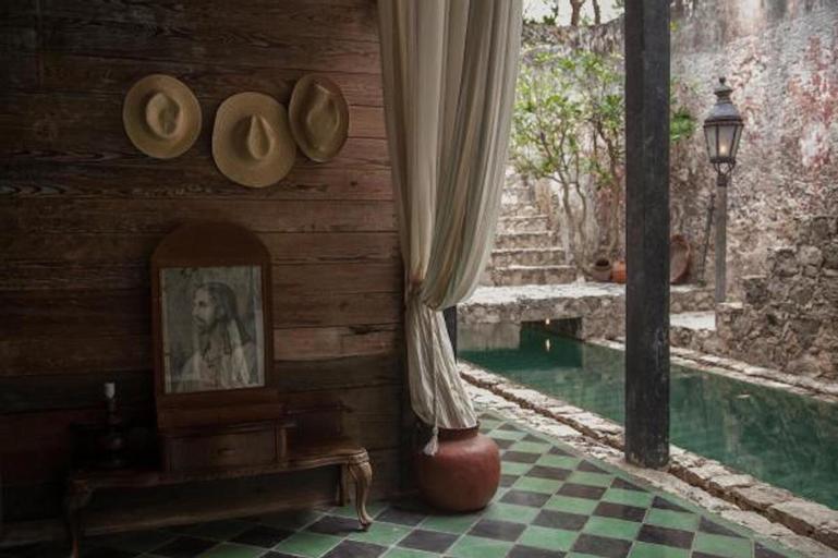 Coqui Coqui Casa de los Santos, Izamal