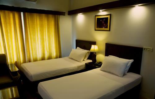 Doves Inn Hotel (Branch-1), Lahore