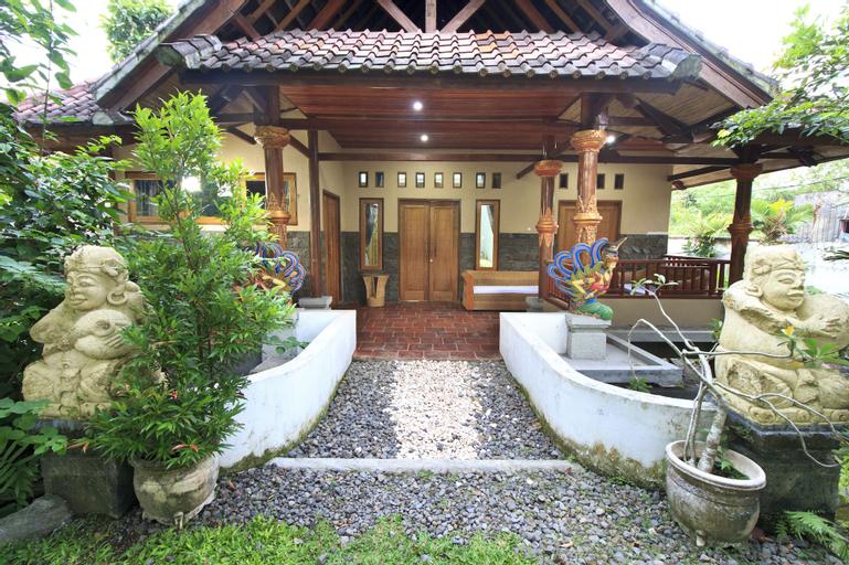 Villa Bale Seni Mataram, Lombok