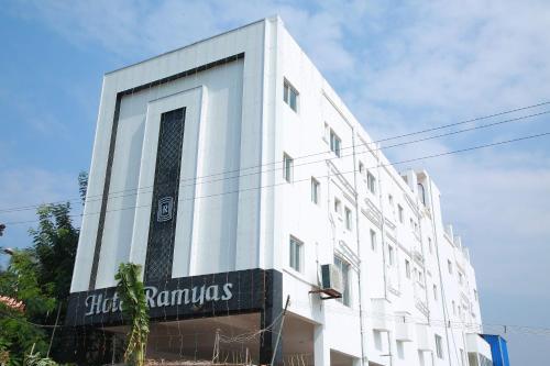 Hotel Ramyas, Theni