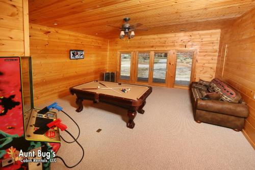 Heavenly Creekside #276 - Two Bedroom Cabin, Cocke