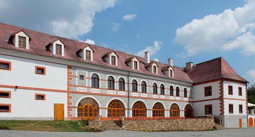Zamek Liboun, Benešov
