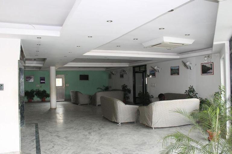 Kitchen Hut Hotel, Bheri