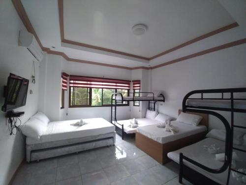 Sea and River View Resort and Hotel, Morong