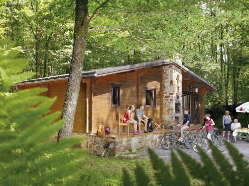 Holiday Home Village de Vacances Oignies.10, Namur