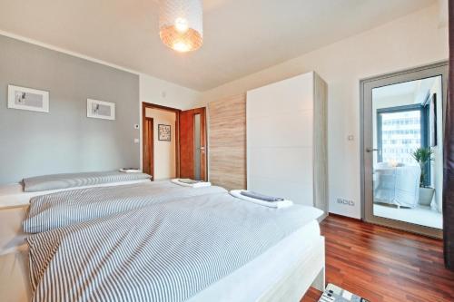 OL apartments, Praha 3
