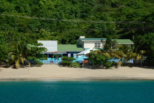 Keegan's Beachside Hotel,Apartments & Cottage,
