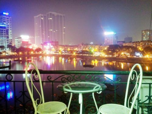 NGOC KHANH LAKE HOTEL, Ba Đình