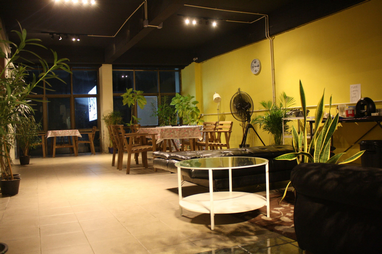 The Mixx Hostel, Phra Nakhon