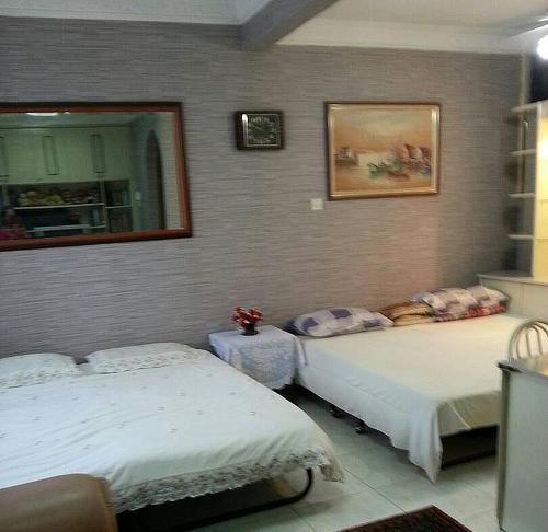 Near Queenbay Mall with 5 bedrooms, Barat Daya