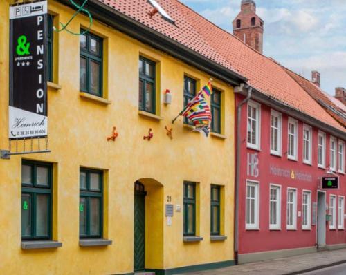 Pension Heinrich im Zentrum von Greifswald mit Kuchenzeilen und Parkplatz 24h CheckInn, Vorpommern-Greifswald