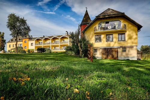 Hofgut Held, Eifelkreis Bitburg-Prüm