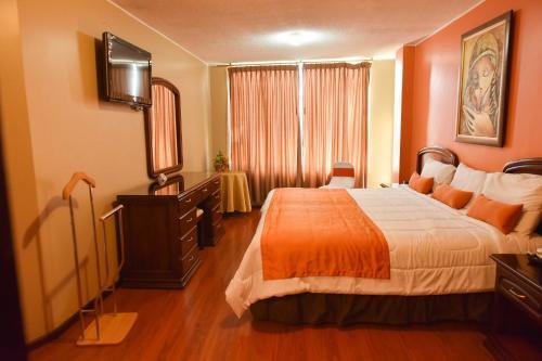 Hotel Makroz, Latacunga