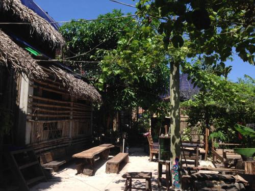 Bora's Place, Botum Sakor