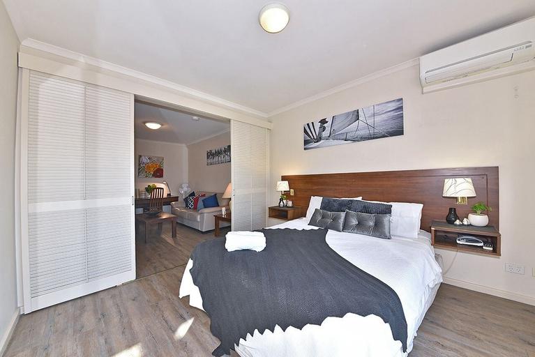 Inner Perth CBD 1X1 Apartment, Perth