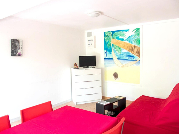 Studio in Schoelcher, With Wonderful sea View, Enclosed Garden and Wifi, Schœlcher