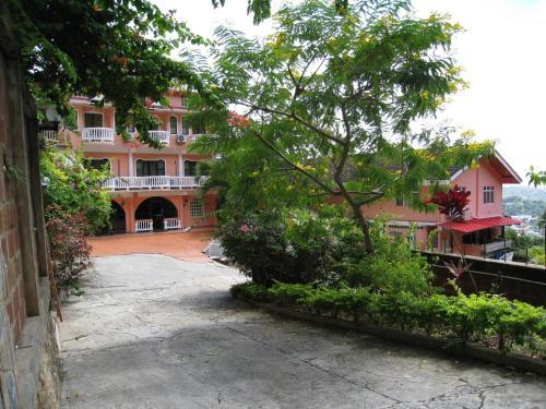 Alicia's Palace,