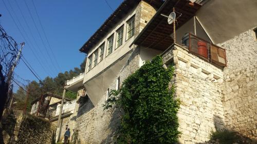 Guest House Taunus, Beratit