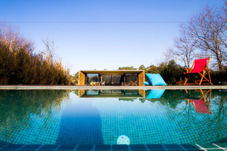 Liiiving In Caminha - Lawny Pool House, Caminha