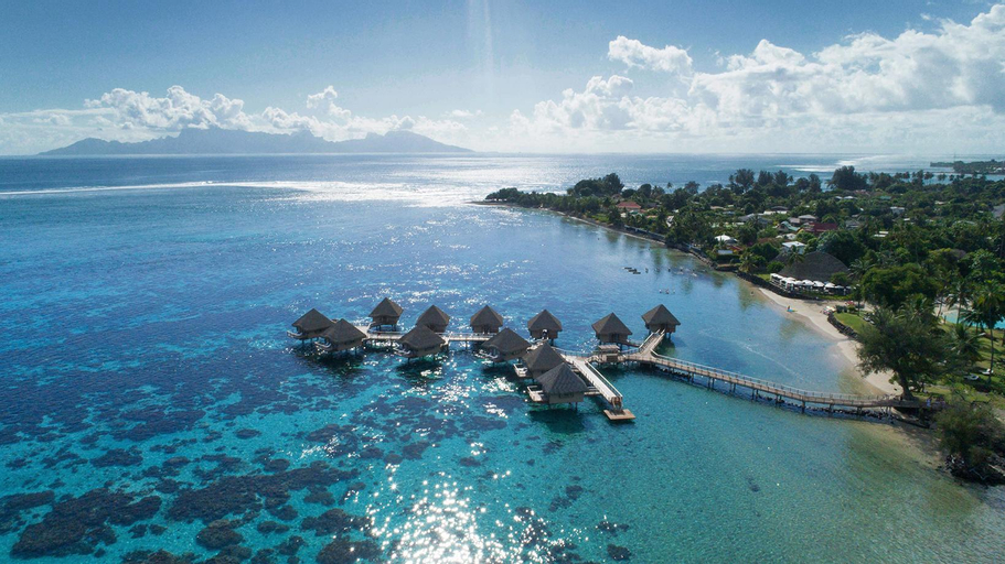 Tahiti Ia Ora Beach Resort-Managed by Sofitel,