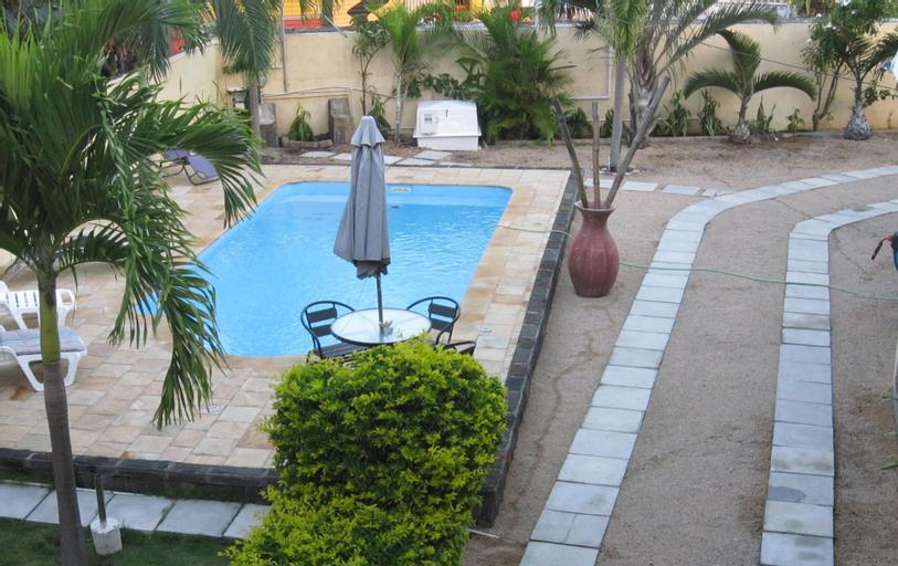 Jolie Villa Santa,