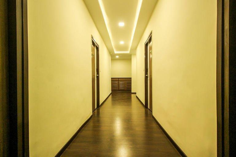 OYO 8045 Crest Hotel, Bangalore